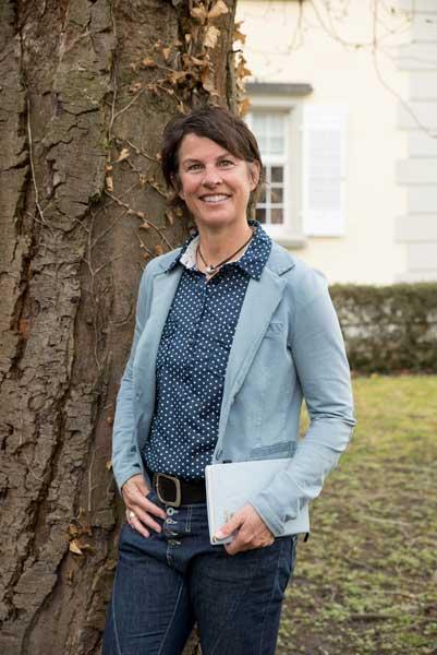 Tina Schray Traurednerin freie Rednerin
