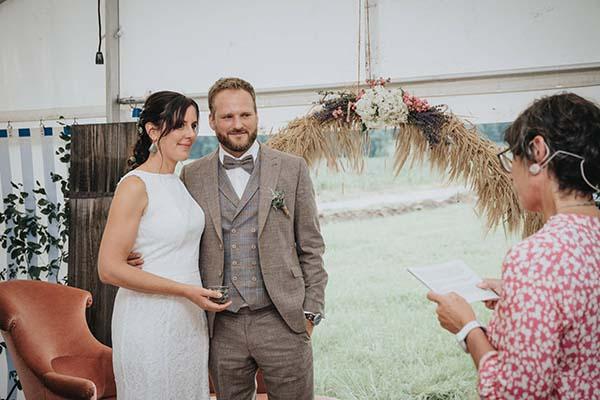 Tina Redet Freie Trauung Brautpaar